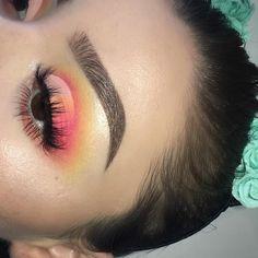 "Daisy on Instagram: "" - eye deets: #anastasiabeverlyhills dark brown dipbrow #bhcosmetics take me to brazil palette + spotlight highlight palette…"""