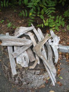 Vintage 12 morceaux de bois flotté en vrac pour bricolage ou artiste de la boutique NorDass sur Etsy
