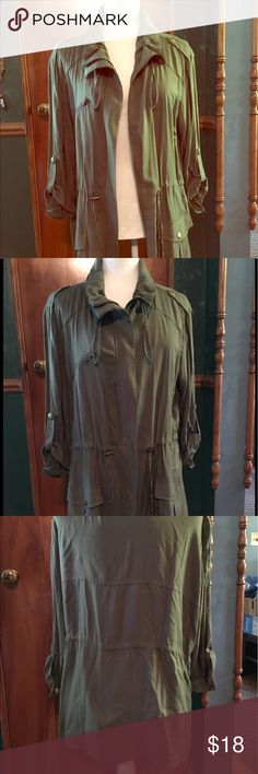 Apt 9 Cuffed Sleeves Army Green Jacket Soft army green jacket with a cinched waist. Hits about mid hip in length. Cuffed sleeves that can turn full length. Tags off but never worn. Apt. 9 Jackets & Coats Utility Jackets