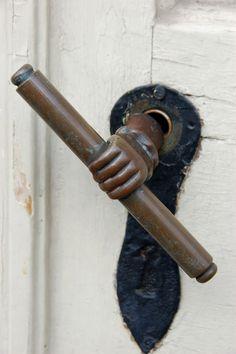 : vintage door knobs and hammers. Cool Doors, The Doors, Unique Doors, Windows And Doors, Front Doors, Door Knobs And Knockers, Antique Door Knobs, Knobs And Handles, Door Handles
