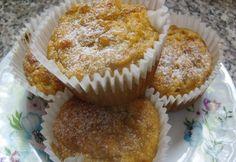 Sütöttél már banánnal muffint? Nem? Ideje kipróbálni! Meg fogsz lepődni, micsoda csodás, szaftos tészta lesz a végeredmény. És még másnap is puha marad. Már ha marad... Muffin, Breakfast, Food, Meal, Muffins, Hoods, Meals, Cupcake, Cup Cakes