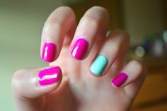 Hit Or Miss: Bella Thornes Neon and Pastel Nails | lovelyish