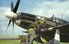 P51 mustang maintenance in color