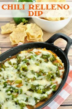 Chili Relleno Dip- Easy dip recipe inspired by the popular Mexican dish. Makes a great appetizer for a Cinco de Mayo or other Mexican themed party. Yummy Appetizers, Mexican Appetizers Easy, New Years Appetizers, Appetizer Recipes, Homemade Tortilla Chips, Chile Relleno, Easy Cheese, Mexican Dishes, Mexican Food Recipes