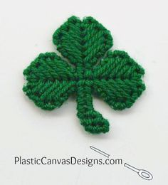 Looking for a quick St. This plastic canvas shamrock pattern is great for making super cute fridge magnets. Plastic Canvas Stitches, Plastic Canvas Crafts, Plastic Canvas Patterns, Cross Stitch Embroidery, Cross Stitch Patterns, Book Markers, Needlepoint Stitches, Canvas Designs, St Patricks Day