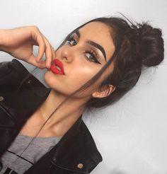 bun + cateye + redorange lip