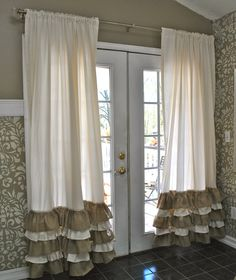 A chic and rustic style curtains. These beautiful curtains will create a soft chic look to rustic, country, or cottage decor. Ruffle Curtains, Shabby Chic Curtains, Burlap Curtains, Hanging Curtains, Alpillera Ideas, Decor Ideas, Farmhouse Style Curtains, Beautiful Curtains, Lace Decor