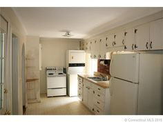 **$725.  850sq.ft.  W/D in apt.  Spacious. Find this home on Realtor.com