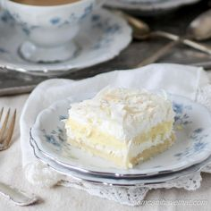 Low Carb Coconut Cream Layered Dream is made from wholesome ingredients and is 6 net carbs. This coconut low carb dessert is also gluten-free, keto, thm-s compliant! Coconut Desserts, Sugar Free Desserts, Gluten Free Desserts, Dessert Recipes, Coconut Recipes, Low Carb Sweets, Low Carb Desserts, Low Carb Recipes, Healthier Desserts