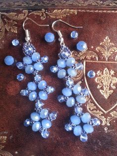 DIY Tutorial orecchini perline --- Tutorial bead earrings Woks as well as braclet Seed Bead Jewelry, Seed Bead Earrings, Beaded Earrings, Beaded Jewelry, Beaded Bracelets, Jewellery, Diy Jewelry Videos, Jewelry Making Tutorials, Earring Tutorial