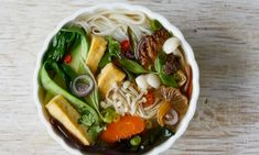 Pho recipes From the traditional beef soup to a dry vegan version, these Vietnamese noodle dishes bring deep and rich flavours enlivened by the brightness of fresh, crisp garnishes Best Pho Recipe, Vegetarian Dinners, Vegetarian Recipes, Easy Healthy Recipes, Real Food Recipes, Healthy Alternatives, Tofu, Vegetable Pho, Asian Vegetables