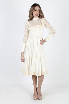 Vintage Gunne Sax Dress White Boho Wedding Dress Bridesmaids Dress Off Shoulder Prairie Dress 70s Floral Ruffle Lace Womens Mini Midi Dress