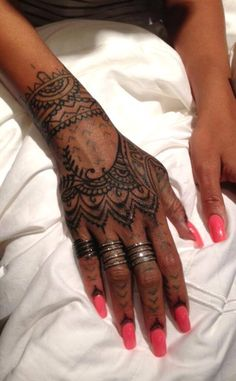 Rihanna's new Tatto. Love it!!!
