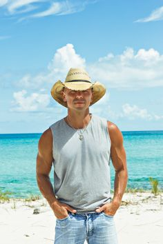 Kenny Chesney talks beaches, meat-and-threes, and Nashville neighborhoods - Atlanta Magazine Male Country Singers, Country Music Artists, Kenney Chesney, No Shoes Nation, Hot Country Boys, Entertainer Of The Year, Jason Aldean, Nashville, Sexy Men