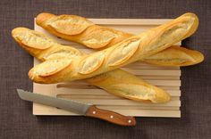 Our soft Italian bread recipe, known as włoski chleb in Polish, uses whey, the byproduct of the cheesemaking process, instead of milk or water. Crusty French Bread Recipe, Bread Recipes, Cooking Recipes, Pastry Recipes, Top Recipes, Muffin Recipes, Dinner Recipes, Bread Rolls, Rye Bread