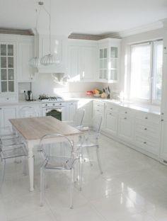 kuchnia angielska, stół do angielskiej kuchni, wooden furniture, hand painted kitchen, classic style kitchens, kuchnie angielskie, meble na wymiar - wykonanie Artystyczna Manufaktura