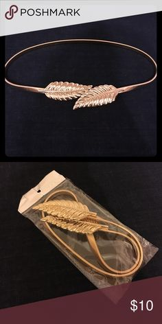Gold Stretchy Leaf Belt, Xs-Med Brand new in package. Save 20% when bundling three or more items. Accessories Belts