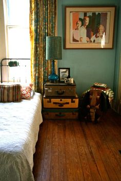 cute use of old suitcases for end table