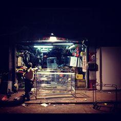 Jervois st -  #localiiz #9.50pm - @julbao- #webstagram