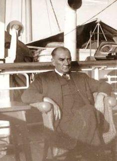 Cumhurbaşkanı Atatürk, Ege Vapuru ile Trabzon'a giderken (Haziran 1937)
