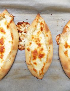 Cheesy, gooey, and buttery, this Cheese Pide - Turkish Pizza is a delicious version of flatbread which is easy to make at home. Scottish Recipes, Turkish Recipes, Pizza Recipes, Cooking Recipes, Bread Recipes, Chicken Recipes, Dinner Recipes, Pide Recipe, Turkish Pizza
