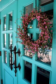 """PAINT: Dunn-Edwards """"Teal Me No Lies"""" House of Turquoise front door color Turquoise Door, House Of Turquoise, Shades Of Turquoise, Teal Door, Turquoise Cottage, Teal Front Doors, Front Door Colors, Blue Doors, Pintura Exterior"""