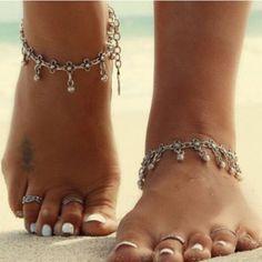 Shoeselfee Simple Silver Daisy Bracelet