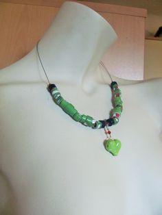 UPCYCLING Necklace - Papierschmuck - Halskette grün mit Herz von brisartbri auf Etsy