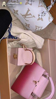 Handbags Casual Purses And Handbags For School Handbags Casual Purses And Handbags For School Unique Handbags Trending handbag Handbags Casual Purses And nbsp hellip Unique Handbags, Popular Handbags, Pink Handbags, Luxury Handbags, Fashion Handbags, Purses And Handbags, Fashion Bags, Cheap Handbags, Women's Handbags