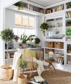 Más de 60 ideas para renovar tu casa con poco dinero Outdoor Furniture Sets, Outdoor Decor, Bookcase, Table Settings, New Homes, Patio, Home Decor, Ideas Bonitas, Decoration