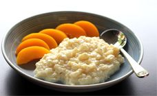 This creamy rice cream is unbelievably easy to make and once you taste this, you will never buy rice pudding again! Rice Cream Recipe, Cream Recipes, Baby Food Recipes, Sweet Recipes, Cooking Recipes, Yummy Recipes, Yummy Food, Budget Meal Planning, Budget Meals