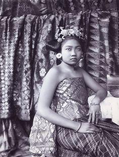 Traditional Balinese dress. #doeloe