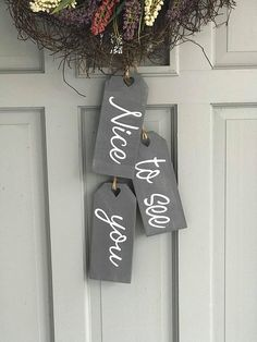 Hi Hello Welcome Front Door Tags-Nice to see you-Well hello there-Come on in-Love Lives Here-Wipe your paws-Home Sweet Home : Hi Hello Welcome Front Door Tags Set of to see Scrap Wood Projects, Diy Craft Projects, Wooden Diy, Wooden Crafts, Chalk Crafts, Crafts To Sell, Diy And Crafts, Wood Tags, Welcome Wreath