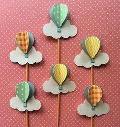 Topper de Doce para o seu chá de bebê, boas vindas ou pode ser usado na decoração da sua festinha. Feito em camadas de papel Collor Plus e Papel Scrabook Os papéis dependem da disponibilidade no mercado. *** Atenção *** - IMPORTANTE: Só clique em comprar com todas as dúvidas de frete ou ... Balloon Birthday Themes, Diy And Crafts, Paper Crafts, Air Ballon, Baby Shower Balloons, Baby Boy Shower, Baby Shower Decorations, First Birthdays, Topper
