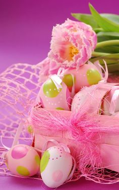 Easter 2020, Easter Parade, Happy Easter Pictures Inspiration, Easter Bunny, Easter Eggs, Ostern Wallpaper, Holiday Day, Hand Flowers, Holiday Wallpaper