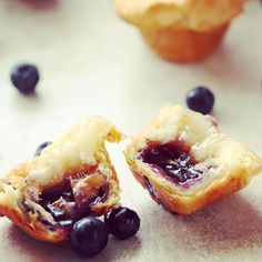 My dream breakfast: Blueberry Cheese Tarts made with Riopelle cheese from Illes-aux-Grues in Quebec. Dairy Free Dip Recipes, Healthy Dip Recipes, Dairy Free Treats, Dairy Free Snacks, Dairy Free Breakfasts, Cooking Recipes, Dairy Free Pudding, Canadian Cheese, Cheese Tarts