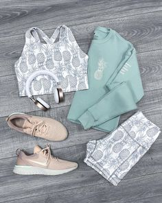 We are so excited to launch this beautiful set Pineapple Dreamy Sports bra & Pocket shorts on March at Hawaii time Legging Outfits, Nike Outfits, Athleisure Outfits, Sport Outfits, Summer Outfits, Casual Outfits, Fashion Outfits, Yoga Outfits, Style Fashion