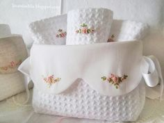 ~ Waffle and Pique fabrics embroidered with pink bullion roses. Maybe a guest towels and holder. Silk Ribbon Embroidery, Cross Stitch Embroidery, Hand Embroidery, Machine Embroidery, Sewing Crafts, Sewing Projects, Fabric Boxes, Brazilian Embroidery, Guest Towels