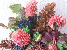Broomcorn, Dahlias, Viburnum Berry, Liquid Amber