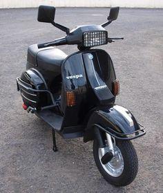 Lambretta Scooter, Vespa Scooters, Vespa Excel, Lml Star, Italian Scooter, Vespa Girl, Old Love, Super Bikes, Cool Bikes