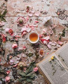 wildflowers + endless cups of tea...✨