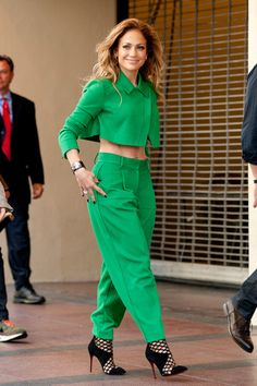 New Jennifer Lopez Looks of The Fashion trends
