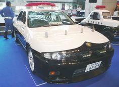 R33スカイラインGT-R4ドアオーテックバージョンパトカー