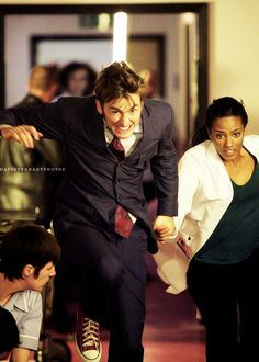 Ten and Martha Jones ~ David Tennant ~ Doctor Who. I need to find my Doctor for Halloween this year. Doctor Who 10, First Doctor, 10th Doctor, Geronimo, Martha Jones, David Tennant Doctor Who, Donna Noble, Time Lords, Dr Who