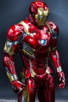 What do you think about the future of Marvel and will Iron Man be a part of it in anyway. Marvel Comic Universe, Marvel Dc Comics, Marvel Heroes, Captain Marvel, Marvel Avengers, Wallpaper Animé, Iron Man Wallpaper, Iron Man Art, Iron Man Avengers