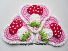 Häkelapplikationen - Lebkuchenherz Fliegenpilz rosa - ein Designerstück von rosentraum bei DaWanda