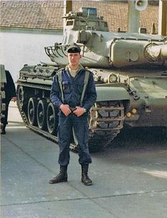 Cold War, Military Vehicles, Weapons Guns, Keys, Old Things, Armed Forces, Military Art, Cars Motorcycles, Tanks