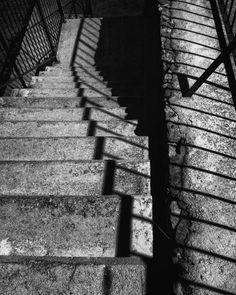 Siete días siete fotos en blanco y negro de tu vida diaria. 3 of 7. Por invitación de mi amada @dscndientdkain #flickr #monochrome #bnw #stair #lines (http://ift.tt/2zEIg4I) (http://ift.tt/2mphaLM)