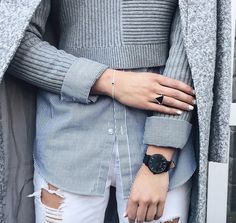 Weekend wear w/ Fifth blogger @_hollyt wearing her All-Black Fifth timepiece. The Fifth Watches // Minimal meets classic design: www.thefifthwatches.com
