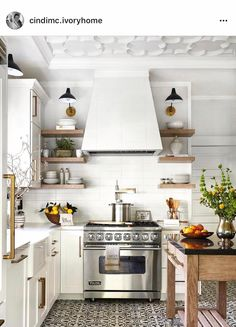 Love the stove and pot filler!!